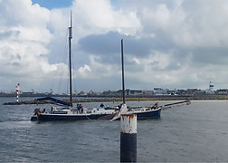 Breakage of mast Harlingen.<br />Source: Bystanders